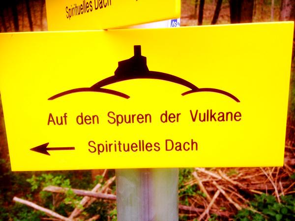 Vulkanlandtafel_Wegweiser